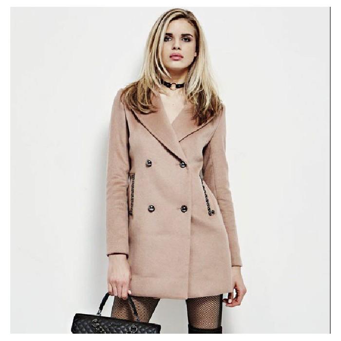 Manteaux caramel avec des...