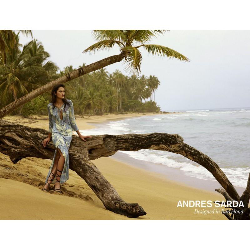 Vestidos- pareos a flores, vestidos playa  blanco, amarillo y gris, Andrés Sardá 2018 online, Heron pashley a flores