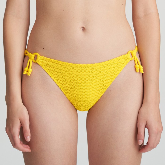 Bikini amarillo de lazos...