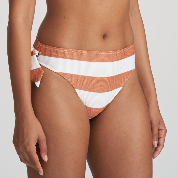 Bikini blanco  a rayas Fernanda cooper, braga de bikini blanca Verano 2021