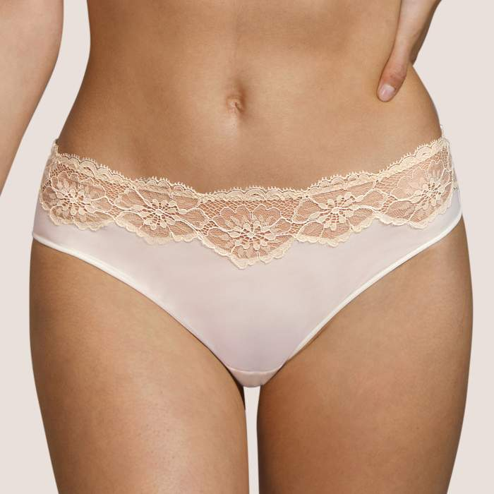 Braga  blanca, braga bikini...